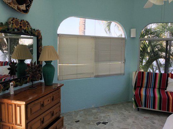 Casa Giovanna Acapulco: Queen Size w/ Sofa Bed Ocean View Room