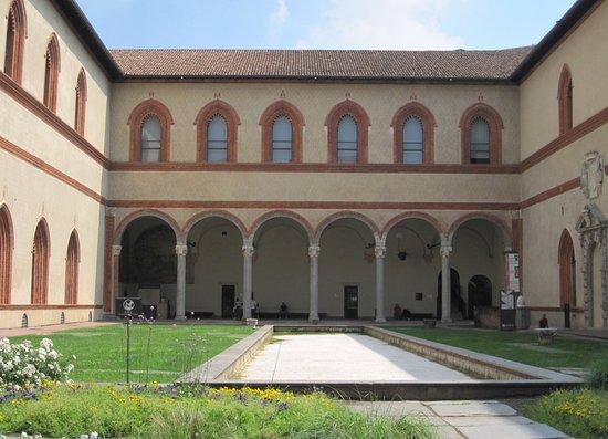 Castello Sforzesco : Wohntrakt der Schlossanlage in Mailand