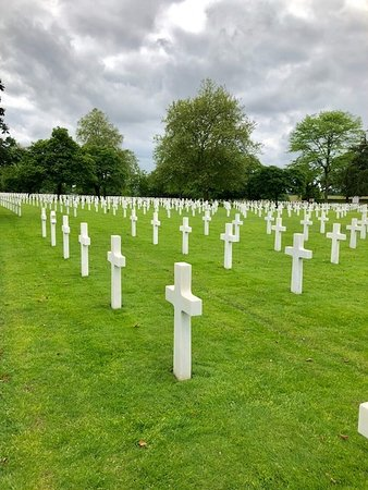 Saint James, Francia: The Graves of Heroes