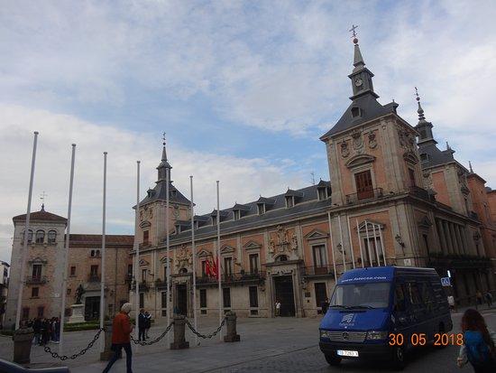 Plaza de la Villa: Old city hall