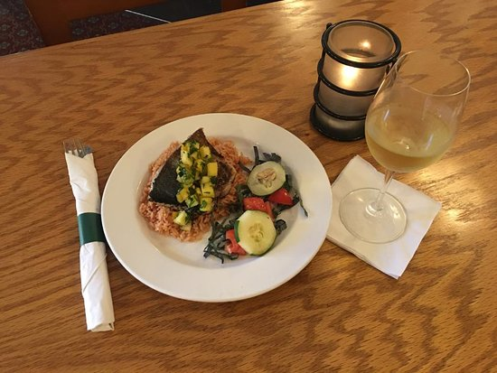 Green Derby Kentucky Bistro: Yellowfin over dirty rice with Caribbean Salsa @ Green Derby KY Bistro!
