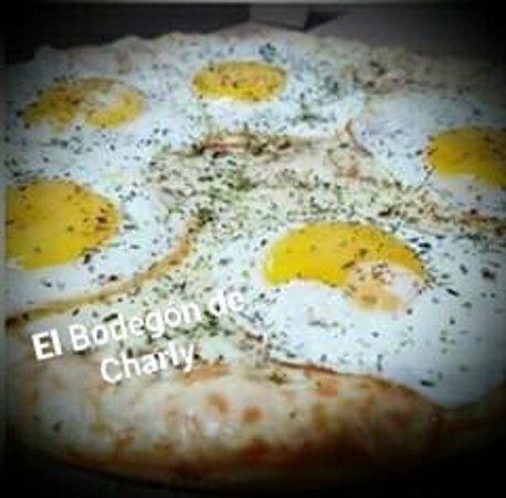 El Bodegon de Charly: pizza Bodegon