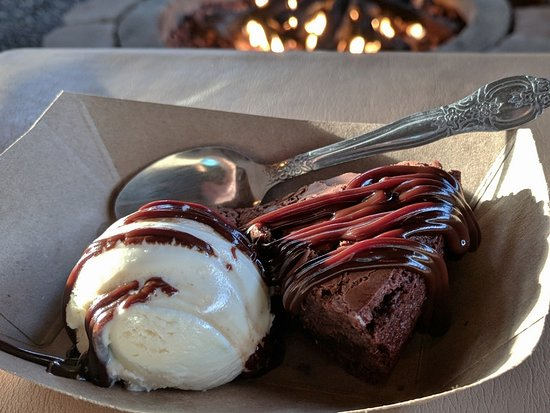 Torrey Grill and BBQ: Hot Fudge Brownie & Ice Cream