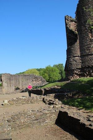 Skenfrith Castle : ruins