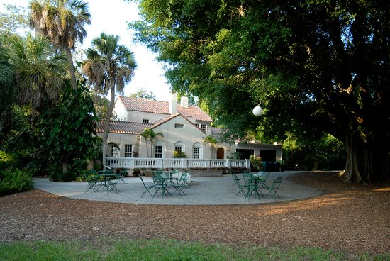 Marie Selby Botanical Gardens: Historic home of Marie Selby.