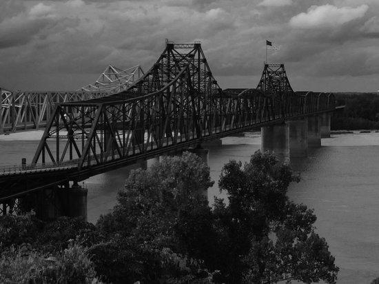 Mississippi Bridge at Visitors Center