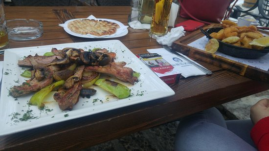 Restaurant Korona: pork with vegetables