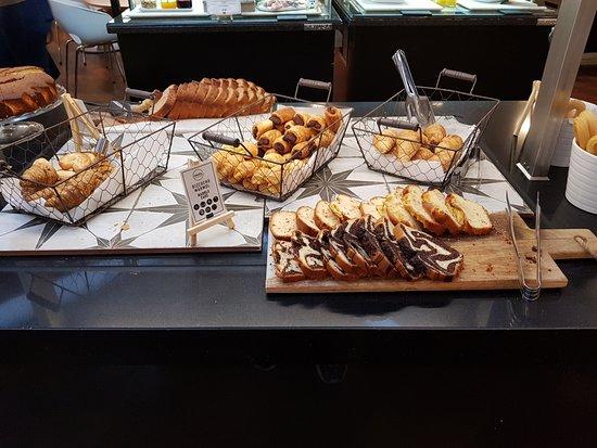 Ayre Gran Hotel Colon: Desayuno.