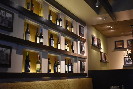 Carrabba's Italian Grill: Seating Area