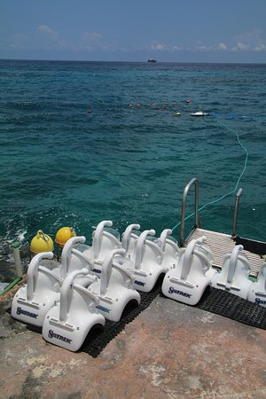 Sea Trek Cozumel: Helmets by the ladder where you descend into the ocean