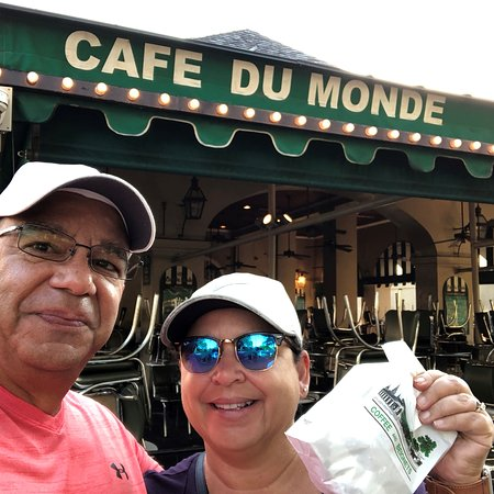 Cafe Du Monde: early morning biegnets before the lines started forming.