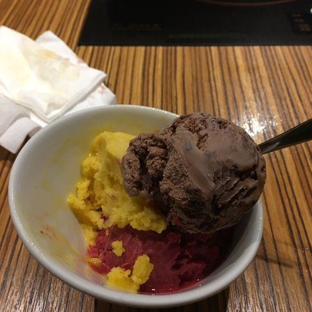 Sumie Shabu: Movenpick swiss chocolate ice cream, mango sorbet and black curran sorbet