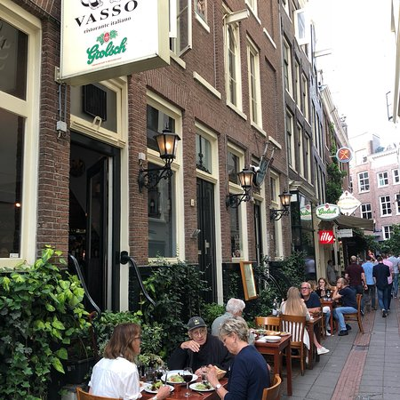 Vasso: Tasty Italian food with great ambience.