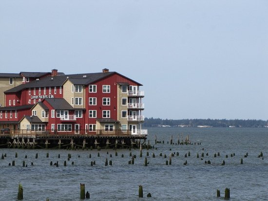 Cannery Pier Hotel: All rooms face the Columbia River