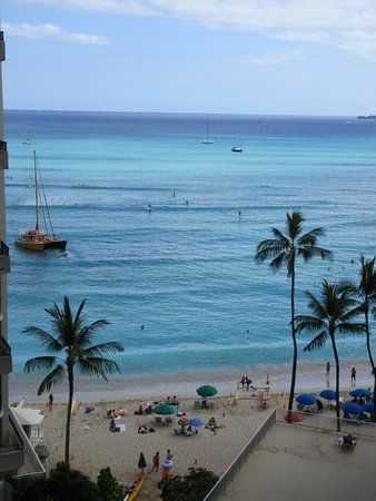 Outrigger Waikiki Beach Resort : This was the view from our room. We were on the 8th floor.