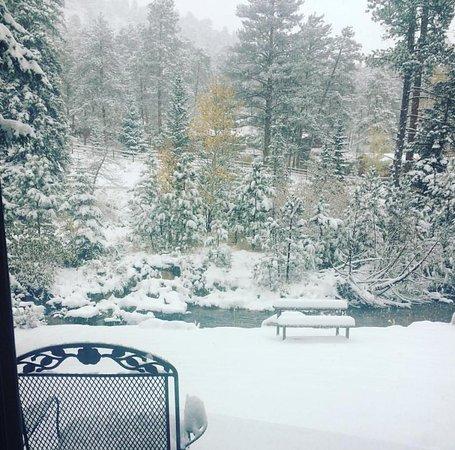 Boulder Brook on Fall River : Spa suite. October 2017