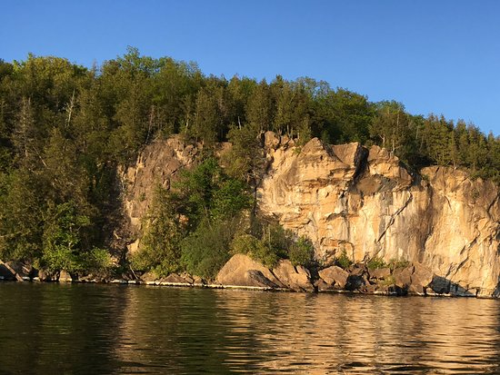 Whistling Man Schooner Company : Island on the lake