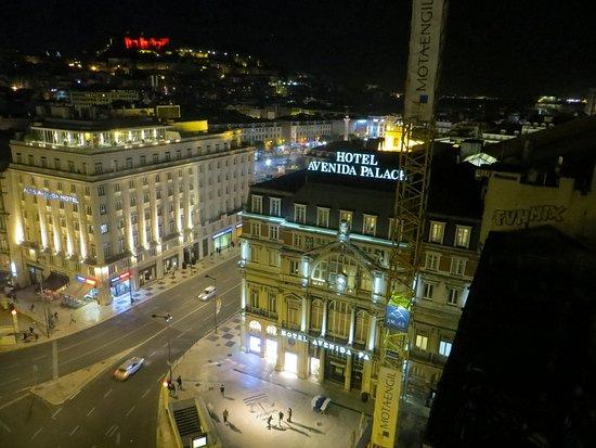Hotel Avenida Palace: Great location