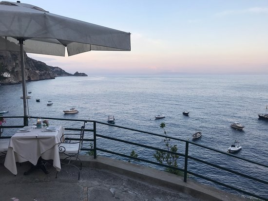 Hotel Onda Verde: View from the outside seating of the restaurant
