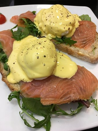 The Vienna Coffee House: Eggs benedict with smoked salmon on sourdough