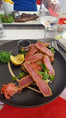Rainbow Cafe: tuna to die for