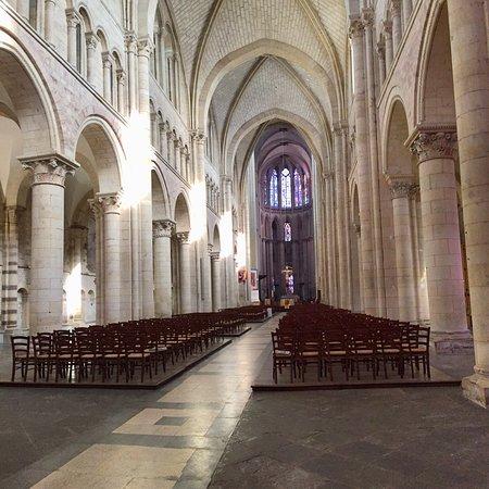Foto de Cathédrale de Saint-Julien de Mans