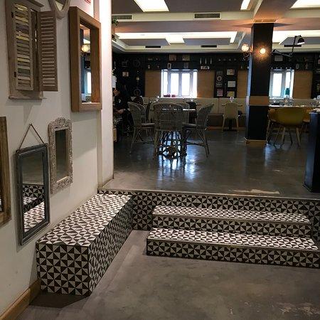 Selfie Restaurante Madrid Photo
