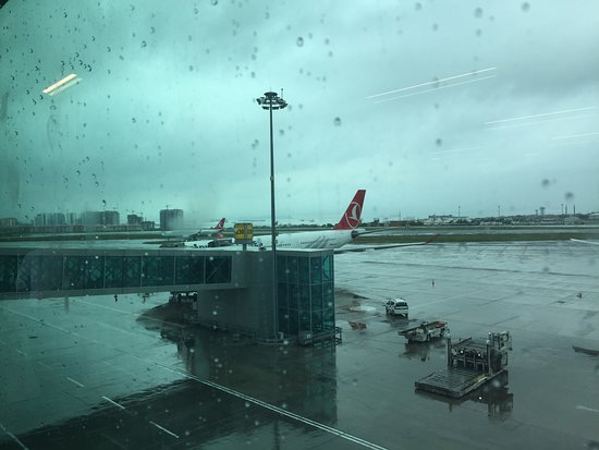 Turkish Airlines: TK1823 du 27/5/2018. A IST.
