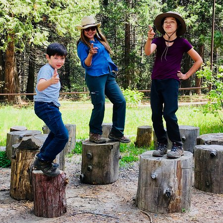 Yosemite Trails Horseback Adventures : Happy family after the trip