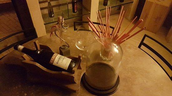 Casato Restaurant Wine Bar: dettaglio della cantina