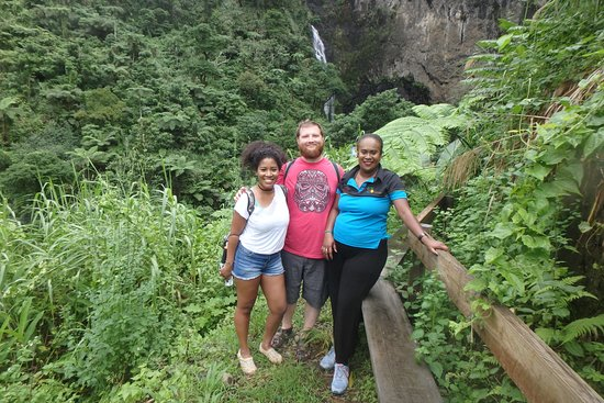 Go Local Fiji Transfers & Tours: Benches along the way, in case you need to take a break
