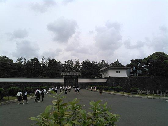 Soto Sakuradamon Gate: 2018.5.30(水)☁どうも・ありがとうございました☺