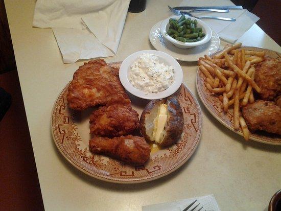 Rockwood, เพนซิลเวเนีย: Fried Chicken dinner.