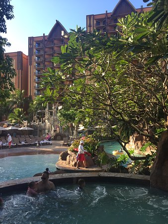 Aulani, A Disney Resort & Spa: one of the hot tubs