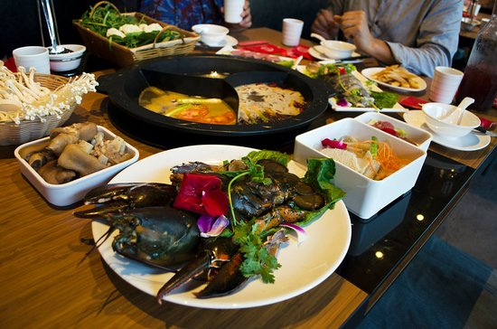 D One Plaza: hot pot dishes