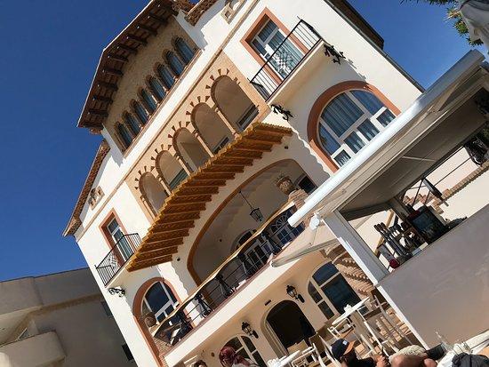Hotel casa vilella sitges espagne voir les tarifs 11 avis et 146 photos - Hotel casa vilella ...