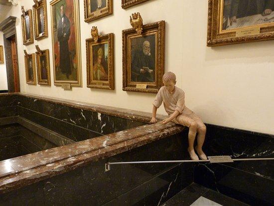 Escultura Gaudi Nen
