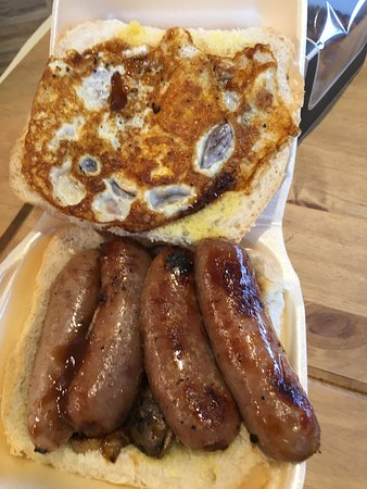 Cam, UK: Another delightful bap of sausage, egg and mushrooms, and less ketchup!