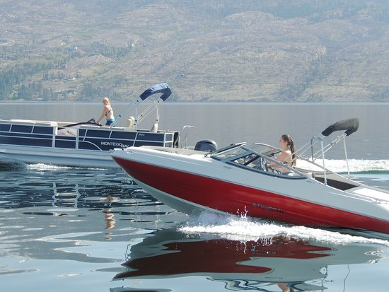West Kelowna, Canada: Our rental boats