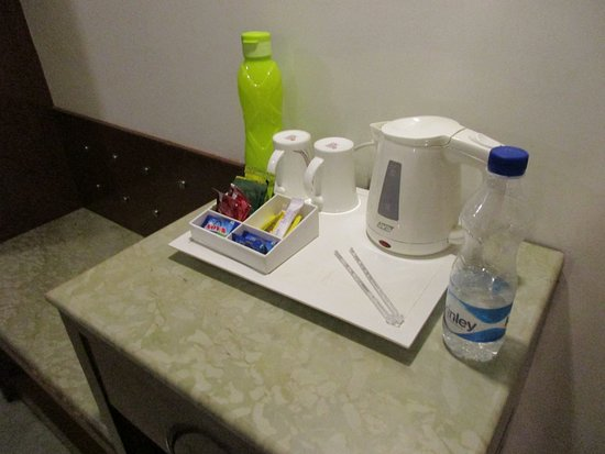 Lords Plaza Jaipur: Tea and coffee and water free