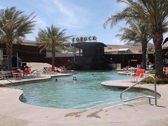 Topock, Аризона: Pool area.