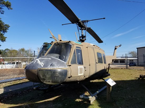 Louisiana Military Museum: Helicopter