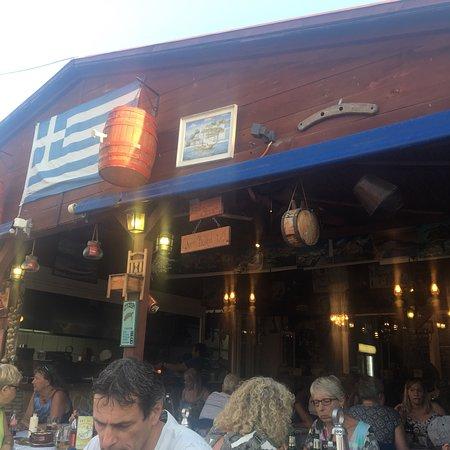 Zorbas Tavern照片