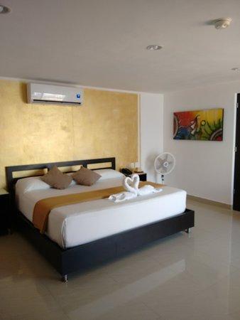 Sunrise 42 Suites Hotel: Moderna, amplia, cómoda, limpia.