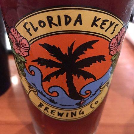 Hobo's Cafe: Karibisches Essen mit Bier aus Florida. Wundervoll!