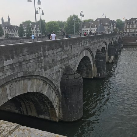 Saint servaasbridge maastricht 2018 all you need to know before you go with photos - Maastricht mobel ...