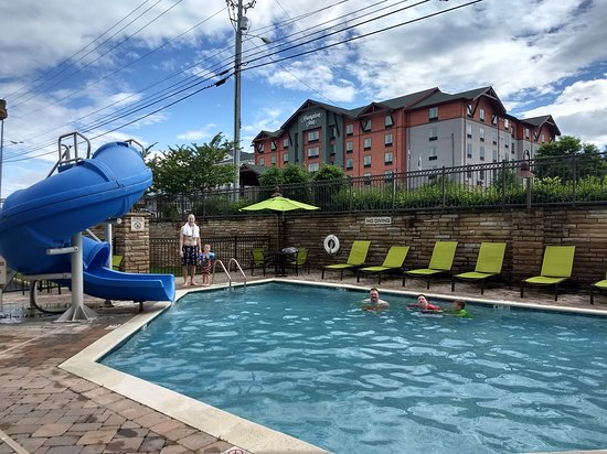 SpringHill Suites by Marriott Pigeon Forge: The outdoor pool