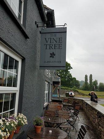 Llangattock, UK: 20180530_144543_large.jpg