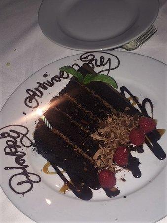 Mastro's Steakhouse: Anniversary cake