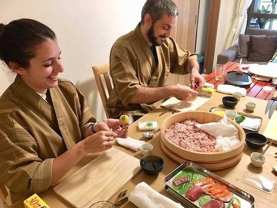 Cooking Class Japan Cross Bridge: Healthy rice sushi of Tuna and Salmon making course